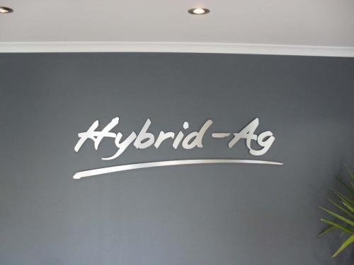 Hybrid Ag